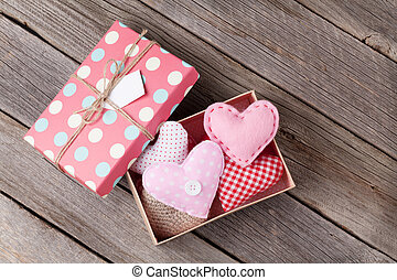 valentinestag, herzen, in, geschenkschachtel