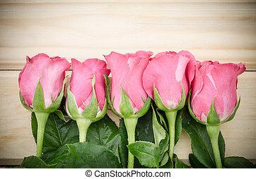 valentinestag, hintergrund, mit, rosafarbene rosen, aus, hölzern, tisch.