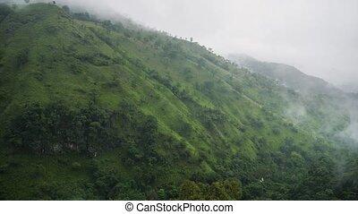 vallée, pente, jour, nuageux, 4k, montagne, vidéo, pluvieux...