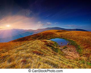 valle montagna, durante, luminoso, sunrise.