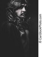 vampire, à, manteau noir, et, longs cheveux