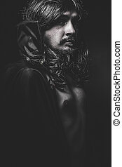 vampiro, con, abrigo negro, y, pelo largo