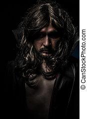 vampiro, con, abrigo negro, y, pelo largo, triste