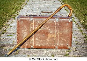vandrande, gammal, käpp, resväska