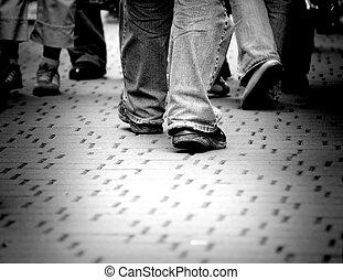 vandrande, gata, genom