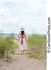 vandrande, kvinna, årgång, baksida, bana, strand