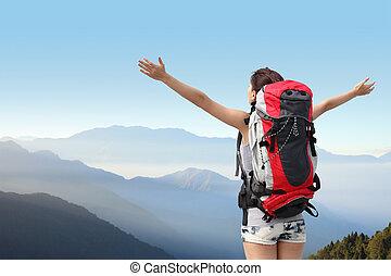 vandrare, fjäll, kvinna, lycklig