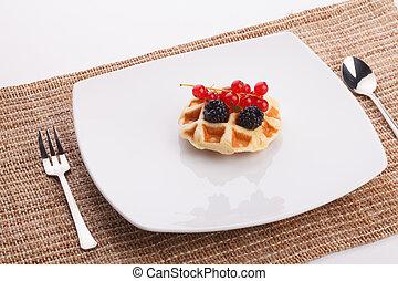 vaniila waffle with mix berry