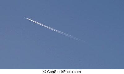 vapor trail 2 - vapor trail from an airplane