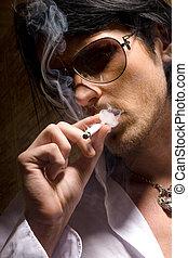 varázslat, a, portré, közül, a, ember, melyik, bekormoz, egy, cigaretta