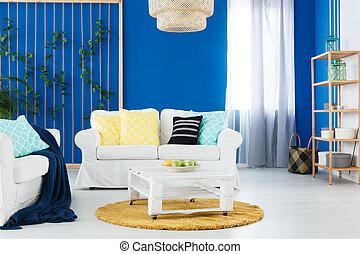 Blå, levande, kuddar, soffa, beige, rum. Pillows.,... stockfoton ...