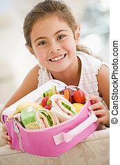 vardagsrum, ung, lunch, holdingen, flicka leende, packat