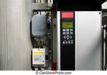 Variable speed drive inverter converter, unit for voltage stabilization