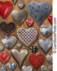 variado, corazones, en, madera, plano de fondo