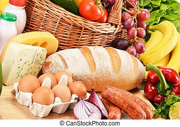 variado, tienda de comestibles, productos, incluso, vegetales, fruits, vino, bread, lechería, y, carne