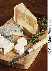 variedade queijo, ligado, um, platter madeira