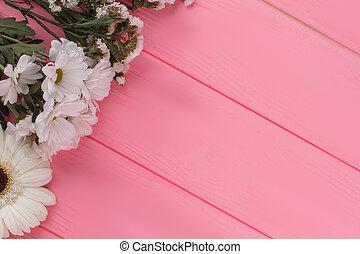 varietà, di, fiori bianchi, su, legno, e, libero, spazio, per, text.