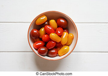 heirloom cherry tomatoes in bowl