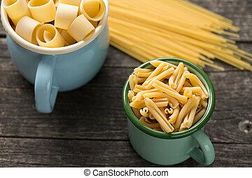 various uncooked pasta