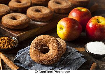 varm, æblemost æble, donuts