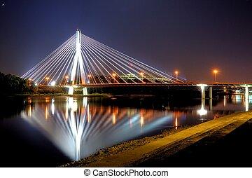 varsóvia, ponte, à noite
