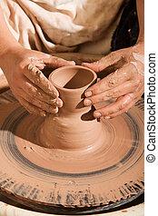 vasaio, plasmando, argilla