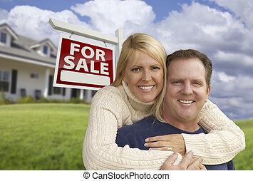 vastgoed, woning, paar omhelzend, meldingsbord, voorkant, vrolijke