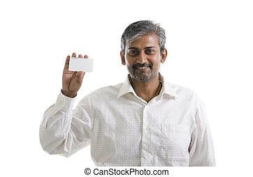vasthouden, visitekaartje, op, brandpunt, hand, indiër, achtergrond, zakenman, witte