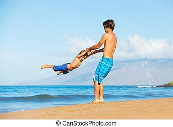 vater, zusammen, sohn, sandstrand, spielende , glücklich
