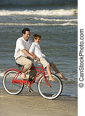 vati, fahrenden fahrrad, mit, sohn, .