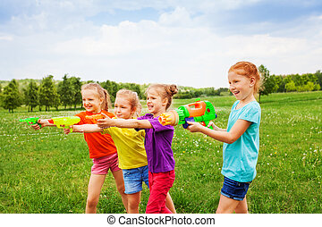 vatten, fyra, vapen, barn spela