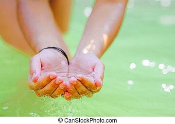 vatten, handfull