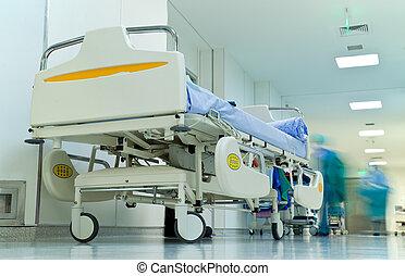 vazio, cama, em, ocupado, corredor hospital, obscurecido,...