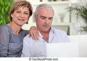 vdát za koho kuplovat, pouití, jeden, počítač na klín, doma