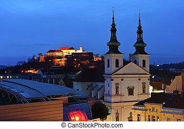 večer, kopec, ozdobit iniciálkami, překrásný, spilberk, věž, dávný, centrum, brno., fotografie, architecture.