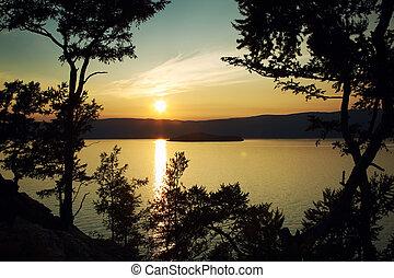 večer, krajina, na, jeden, upadat, jezero baikal