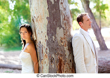 ve volné přírodě, láska, strom, dvojice, sad, šťastný