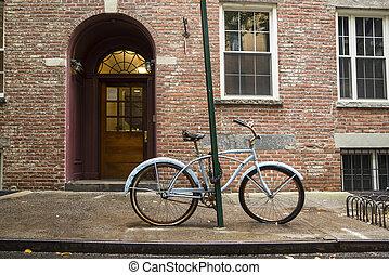 vecchia bicicletta, villaggio greenwich
