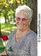 vecchia, (senior, citizen), con, uno, rosso sorto
