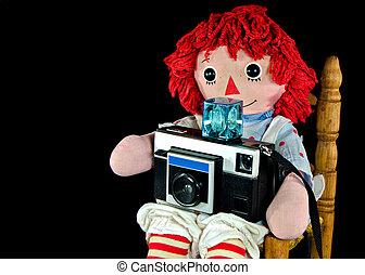 vecchio, bambola pezza, con, macchina fotografica