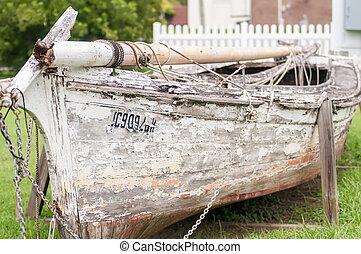 vecchio, barca, su, abbandonato, iarda rifiuto
