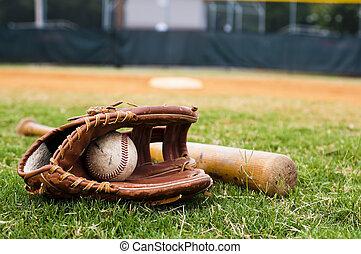 vecchio, baseball, guanto, e, pipistrello, su, campo