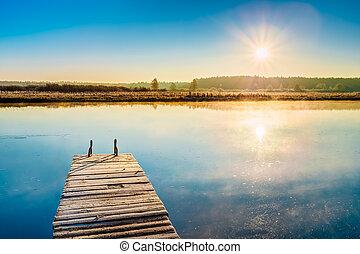 vecchio, cartoline legno, banchina, su, acqua calma, di, lago, fiume