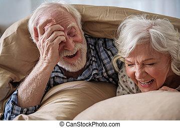 vecchio, coppia, sposato, resto, allegro, casa, detenere
