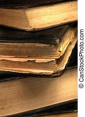 vecchio, grungy, libri, closeup, in, sepia, poco profondo,...