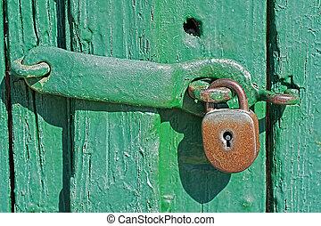vecchio, legno, lucchetto, arrugginito, porta verde