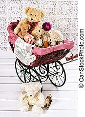 vecchio, orsi teddy, e, giocattoli, in, vendemmia, carrozzina