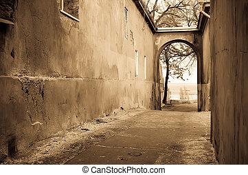 vecchio, percorso, accendere, attraverso, il, arch., foto, in, vecchio, immagine, style.