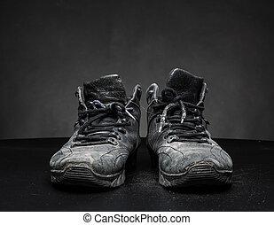 vecchio, scarpe, portato fuori