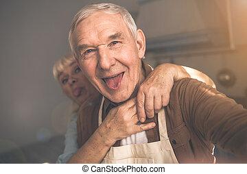 vecchio, stanza, coppia, sposato, allegro, divertimento, cuoco, detenere